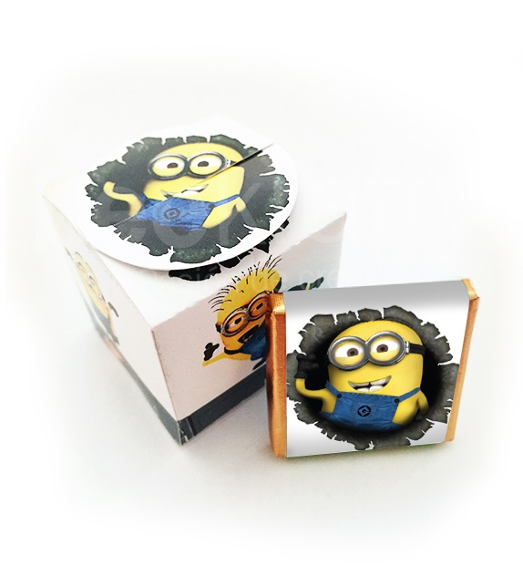 Little box with 5 chocolates of Minions