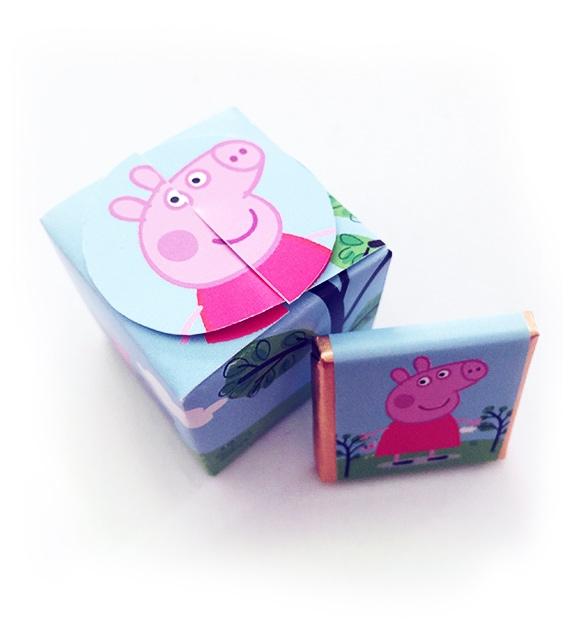 Cajita con 5 minichocos de Peppa Pig